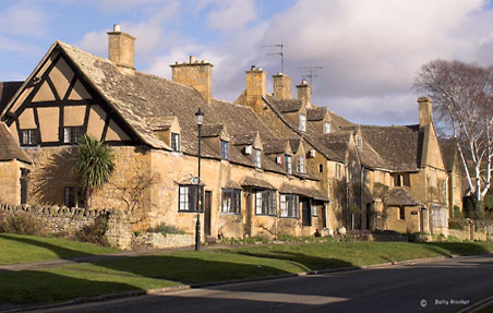 Visit cotswolds broadway accommodation eating dining and walks
